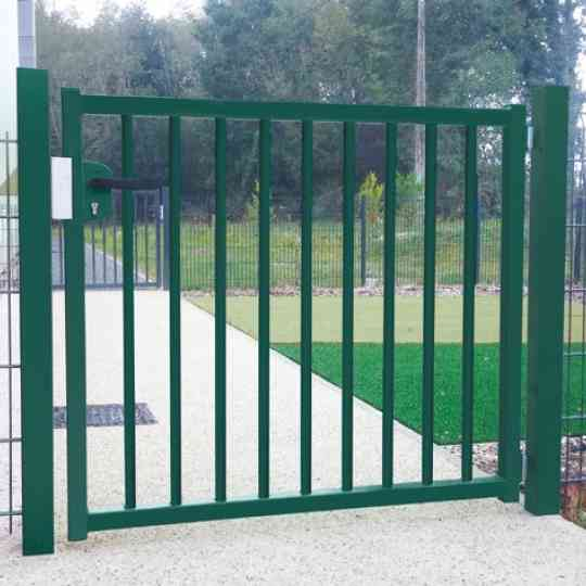 portillon professionnel clotex barreaux ronds